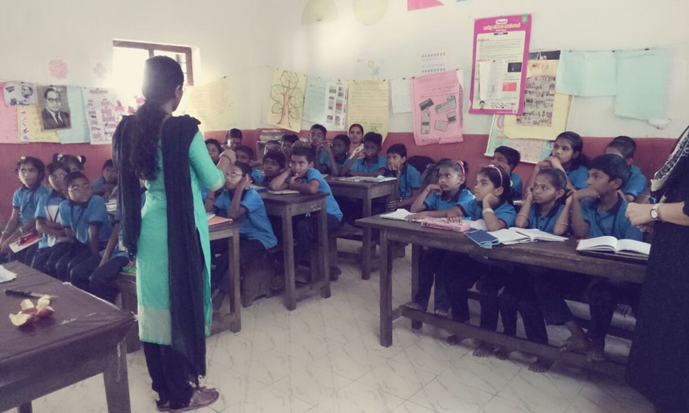 Outreach Conducting experiments for school students 2